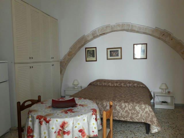 Monolocale luminoso indipendente - Castellana Grotte