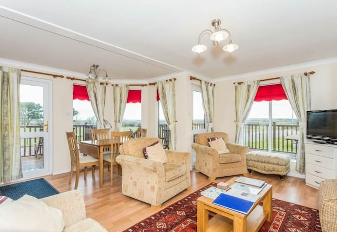 Wendy Lodge Dream Holiday Home - Saint Merryn - Vacation home