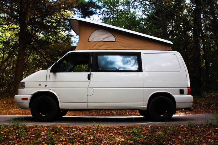 Camper Van - VW Westfalia - Skully