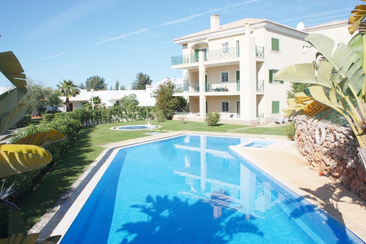 """Apartment with pool, """"2BDR+2WC"""", Wi-Fi, Vilamoura"""