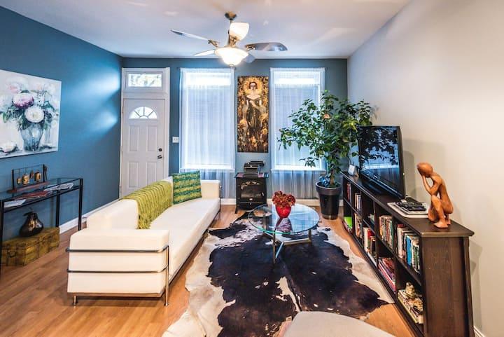 2 bedroom apartment in Pilsen