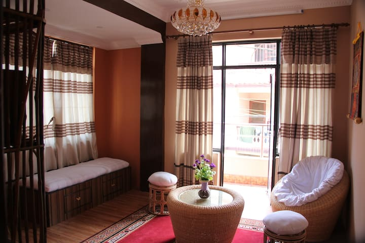 GREAT 2 BEDROOMS in RESIDENTIAL AREA - Kathmandu - Lakás