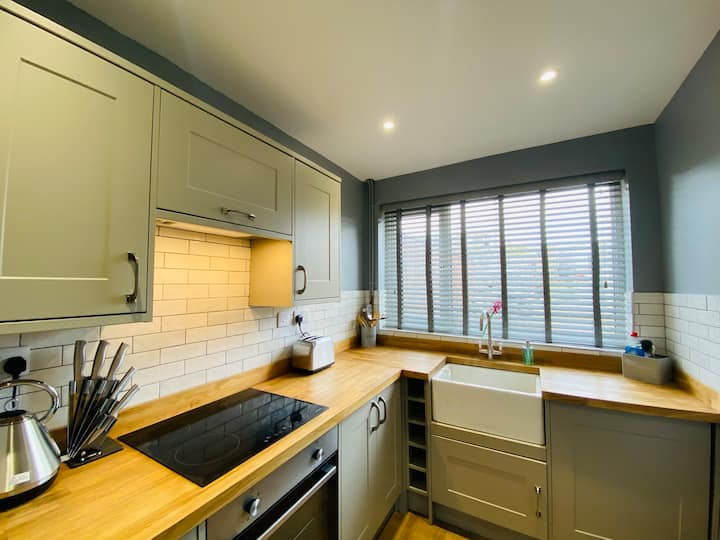 Fully refurbished 1860s Welsh miners cottage