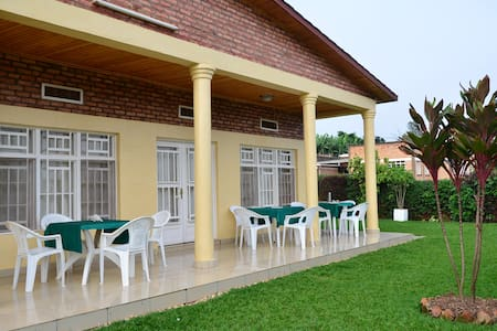 Maison Sifa Chambre B - Butare - Bed & Breakfast