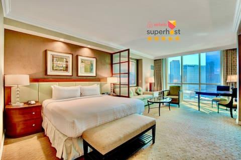 MGM Signature Suite STRIP VIEW ★ No Resort Fee !