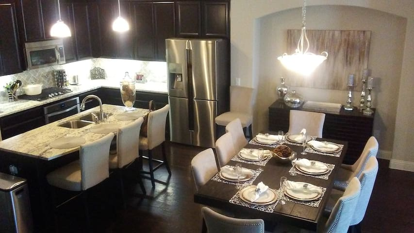 Luxury Living Suite in Lewisville