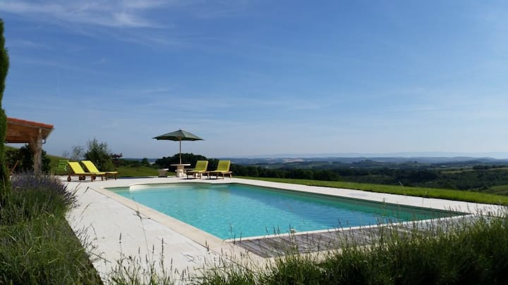 Villa & private pool, views, nr Mirepoix sleeps 8