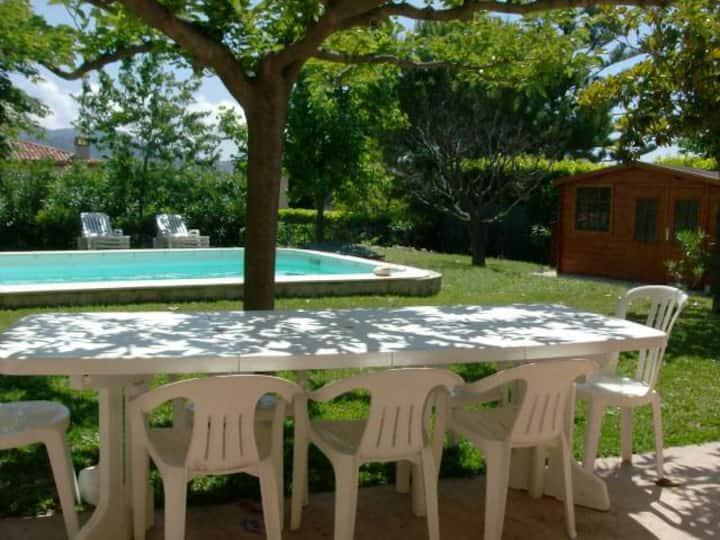 Villa Indépendante avec Jardin Arboré et Piscine