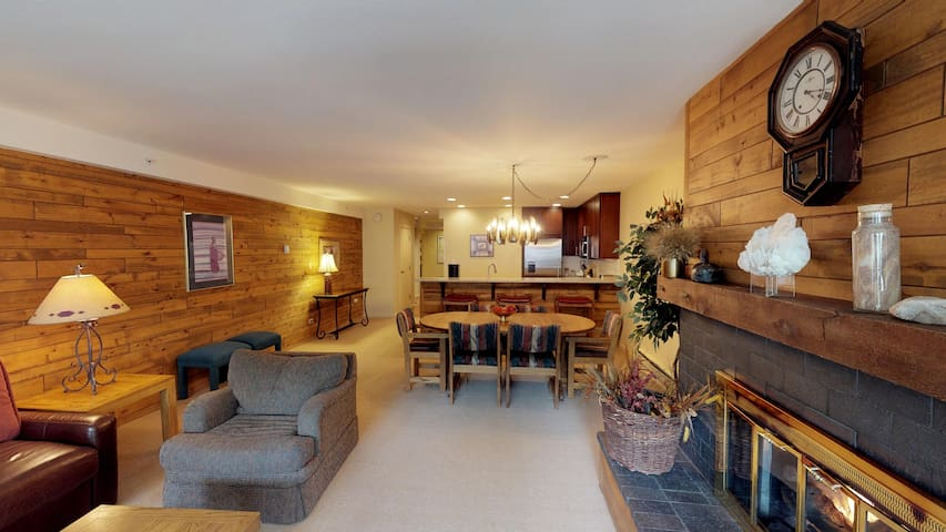 Great location Lionshead| Montaneros in Vail |M310