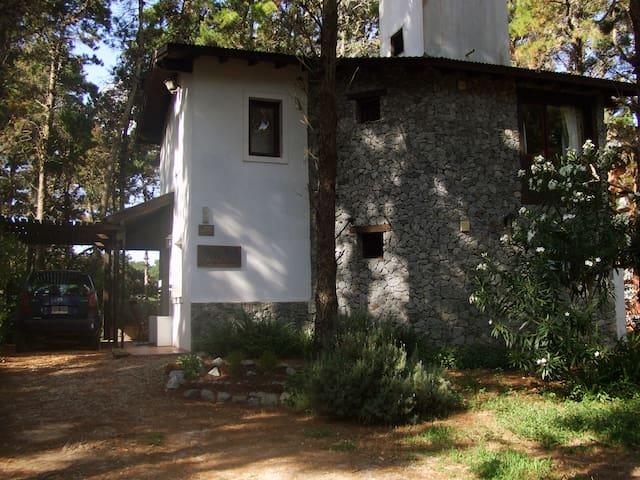 Casa Cachée, paz, bosque y playa...