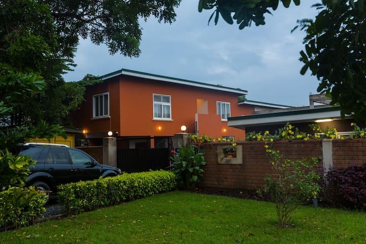 Cosy 2 bedroom apartment Tema! Phoenix Nest Apt 3