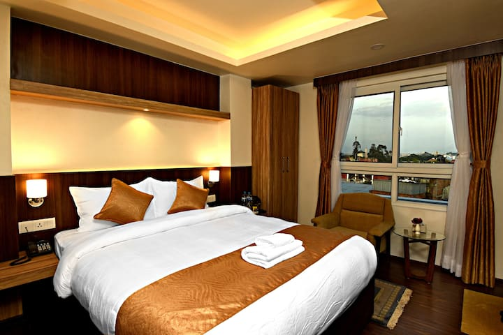 Deluxe Double Room by The Milestone Hotel