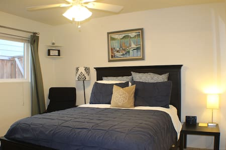 Classy, functional, contemporary, downtown - Huntington Beach - Apartament