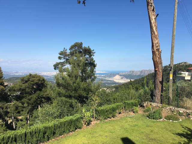 Panoramik villa dağ,orman içinde JW - Konyaaltı  - Huis
