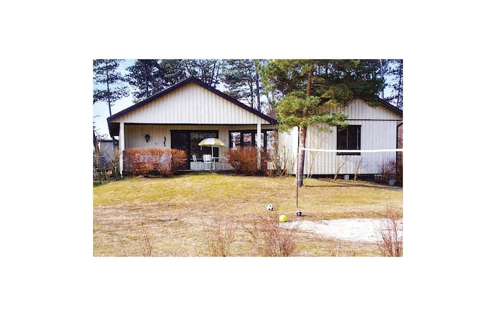 Holiday cottage with 4 bedrooms on 70m² in Yngsjö