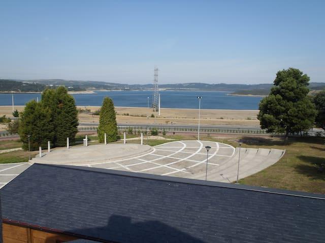 Apartamento 2 hab. con vistas al lago de As Pontes - As Pontes de García Rodríguez