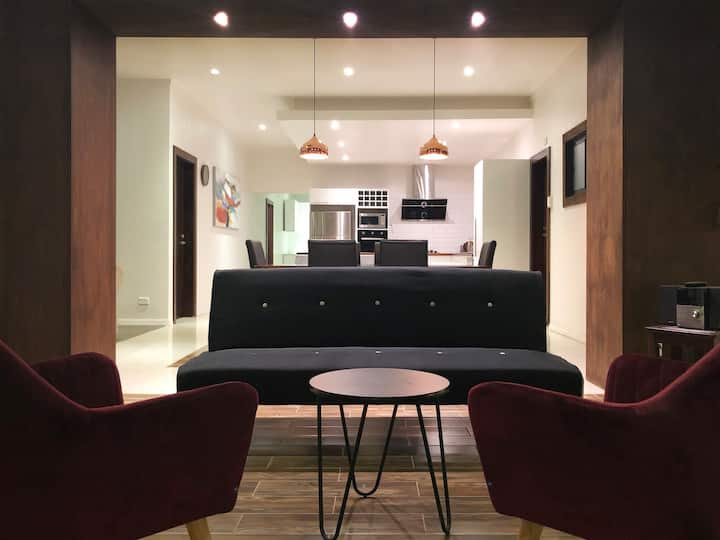 Villa 8 (Executive Apt)
