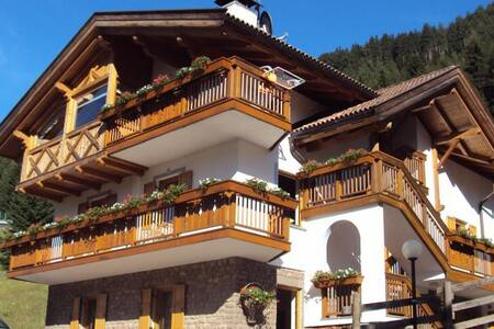 Appartamento con vista panoramica - Moena - Pis
