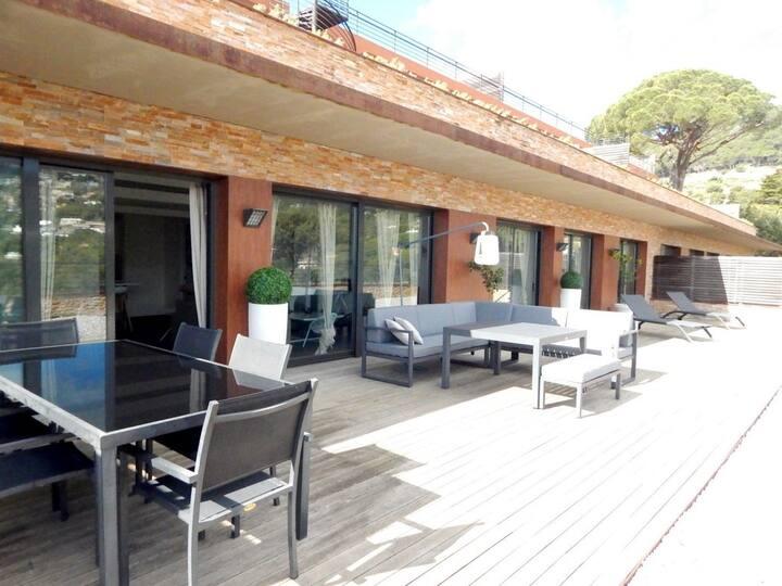Luxus-Apartment in Aiguablava with community pool
