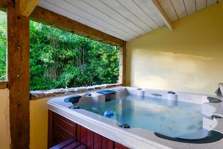 Belle chambre avec Jacuzzi à l'orée d'un bois - Inzinzac-Lochrist - Дом