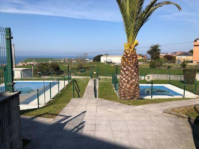 Ático con terraza y piscina en Suances