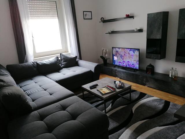 Bequeme Couch im Herzen von Bielefeld