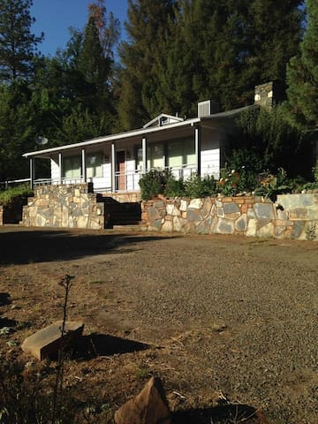 Midpines Hwy 140 House