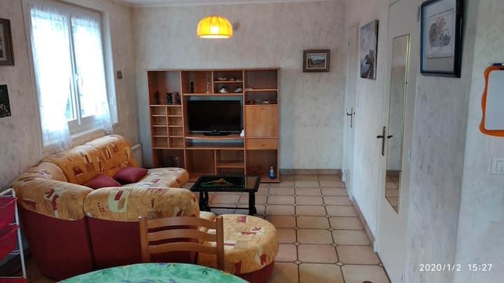 Ceyrat Appartement F2  Vérandas proche cure Royat