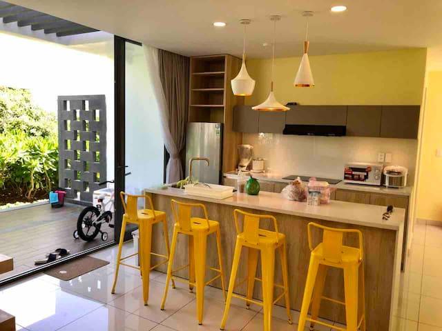 Sunshine 5* Supper villa Oceanami resort 250m2.