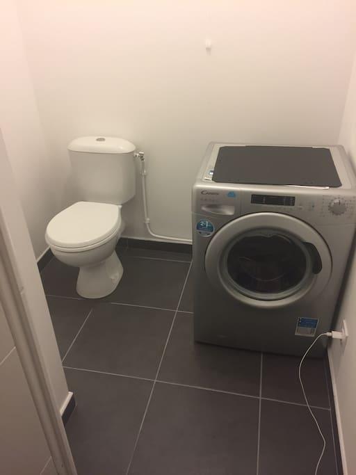 WC + lave-linge (laundry)