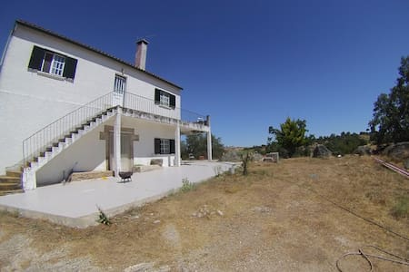 Remote Farm House with Vast Property near Almeida