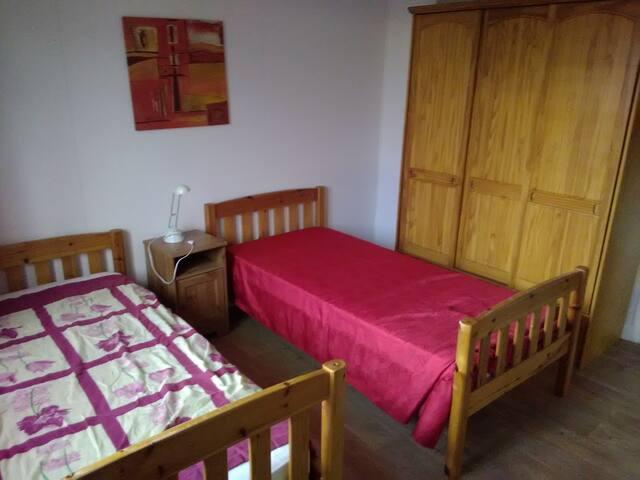 2 chambres dans maison calme proche stade