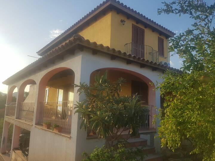 Villetta a pochi minuti da Costa Rey e Villasimius