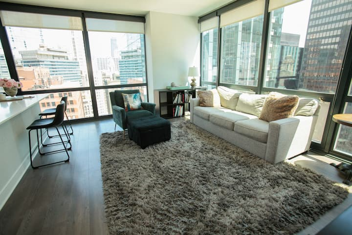 2 Bedroom Luxury in Chicago Loop