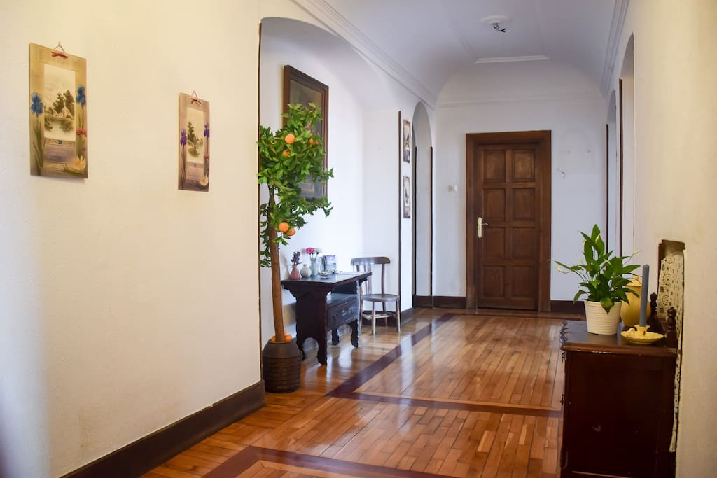 The entranceway to the apartment.