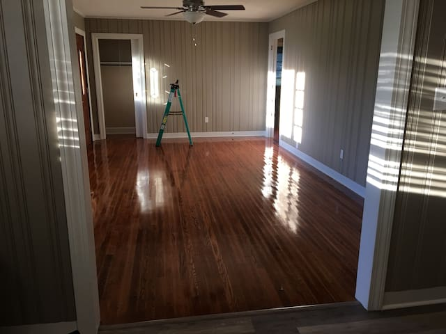 LAKE NORMAN REMODELED HOME - Mooresville - House