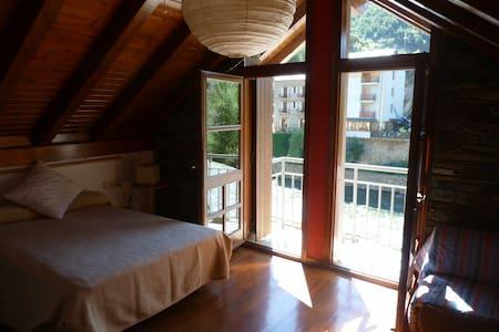 Casa en el Pirineo, Esquí y Rafting - Llavorsí - Rumah