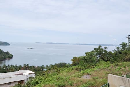 'Sea-scape by the Bay'