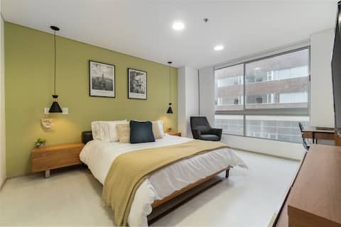 ★HIGH SPEED WIFI★ Apartment with POOL AND GYM  2