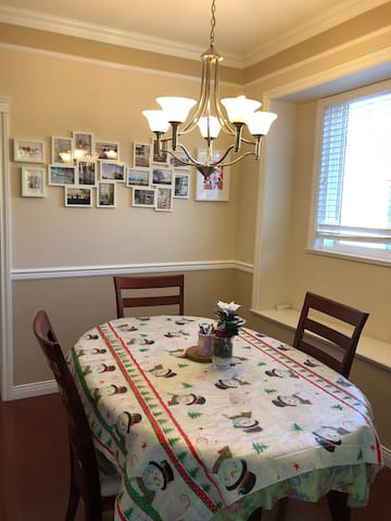 Guest Room-4 convenient to Downtown