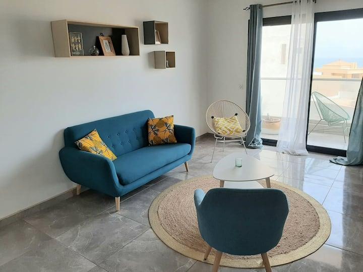 Studio avec une chambre meublé au Virage