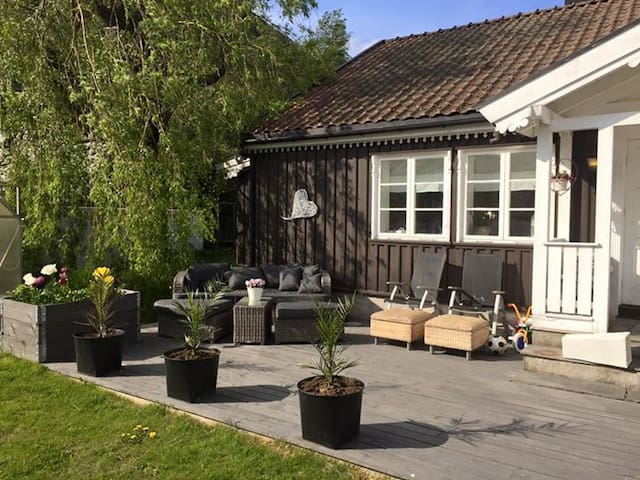 Cosy house close to the beach and city center - Larvik - House