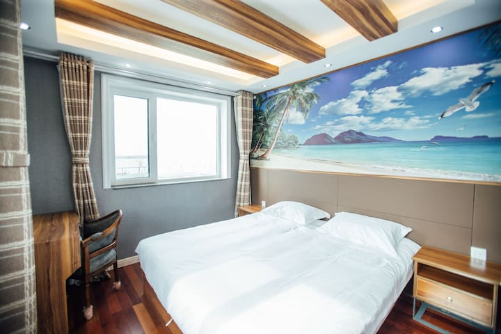 1层海景卧室(1)