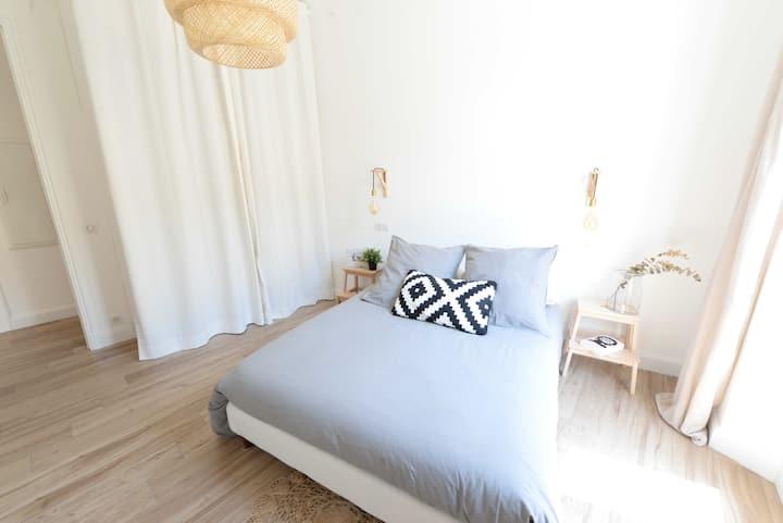 Joli appartement ensoleillé au centre de Cannes ..