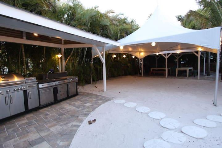 Coconut Grove Resort - Unit 7 & 8 - Clearwater - Casa de hóspedes