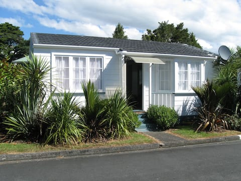 Koru Cottage - quiet and relaxing - you deserve it