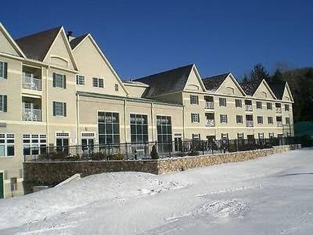 Wyndham Bentley Jiminy Peak Ski-In Ski-Out Rental - Hancock
