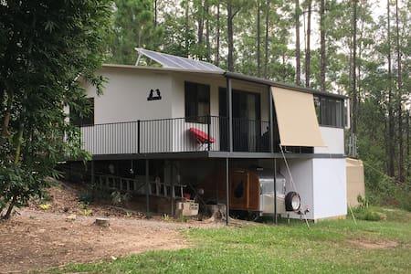 Kookaburra Cottage - Wamuran - Blockhütte