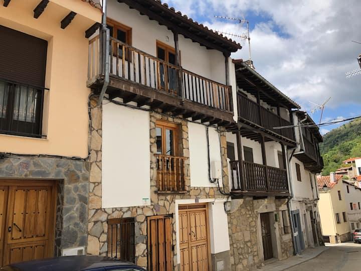 Cozy Balneario Baños Montemayor. Salud y Belleza