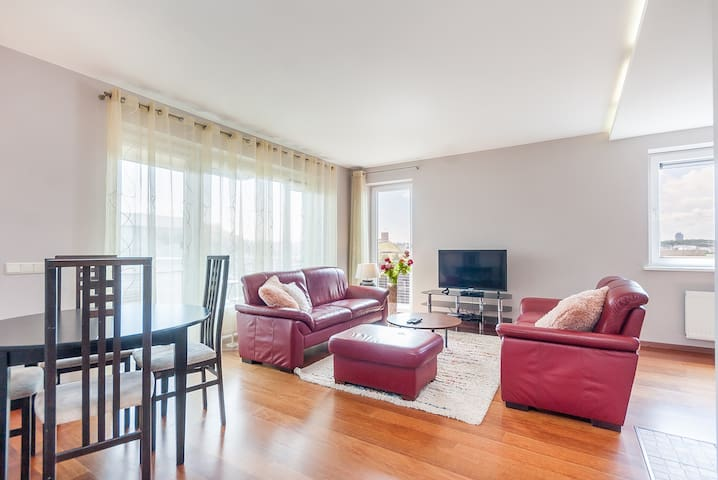 Spacious 2 bdr apt + best view to Gedimino castle